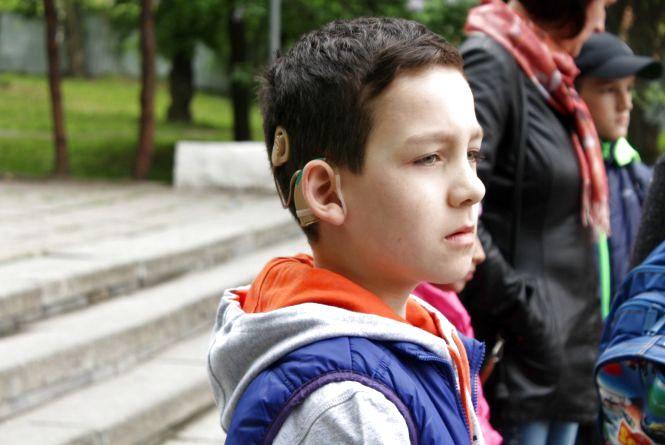 """""""Глухота це не вирок"""".  В парку батьки організували свято для своїх дітей з вадами слуху"""