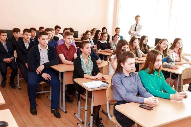 Учням школи № 12 розповіли про роботу Вінницької міської ради