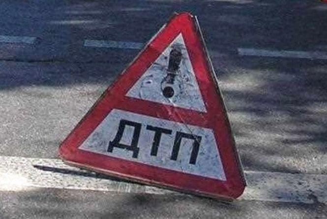 На Вінниччині в результаті  ДТП швидка карета забрала людину в лікарню