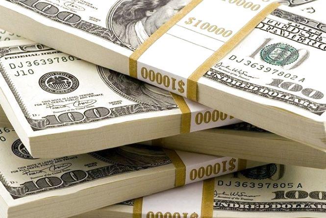 Курс НБУ на 19 травня. Після безвізу долари продовжують падати