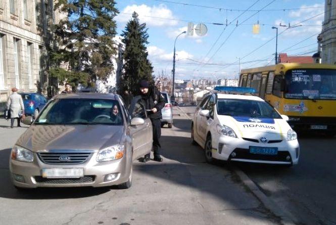 Штраф за «забуті права» може зрости до 5 тисяч гривень, а п'яних водіїв перестануть «судити на роботі»