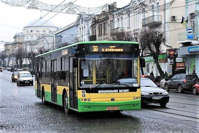 Для автобуса роблять обшивку із склопластику. Це безпечно для пасажирів?