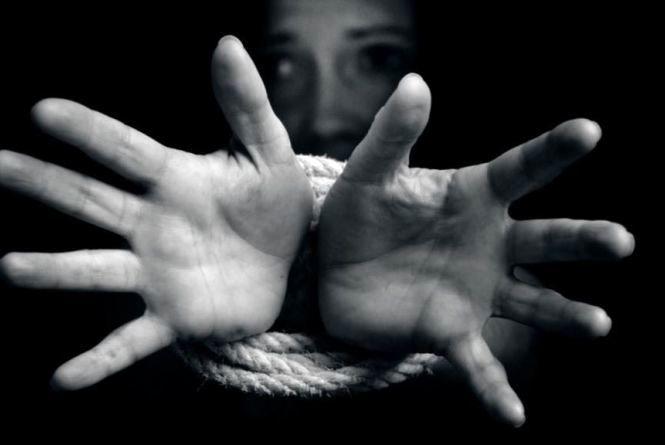 Семеро вінничан цьогоріч стали жертвами торгівлі людьми