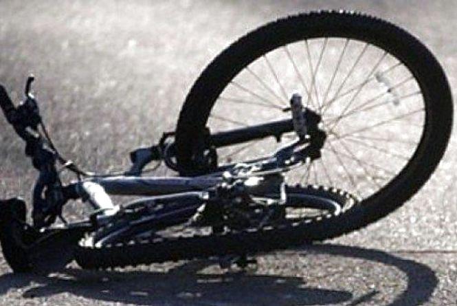 У Вінниці автомобіліст відчиняючи двері збив велосипедиста