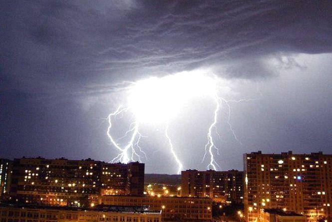 На Вінниччину насуваються сильні грозові зливи. Прогноз погоди на 24-26 травня