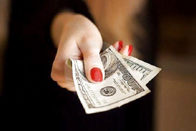 За розміщення торгової точки чиновниця взяла хабара розміром 3500 гривень