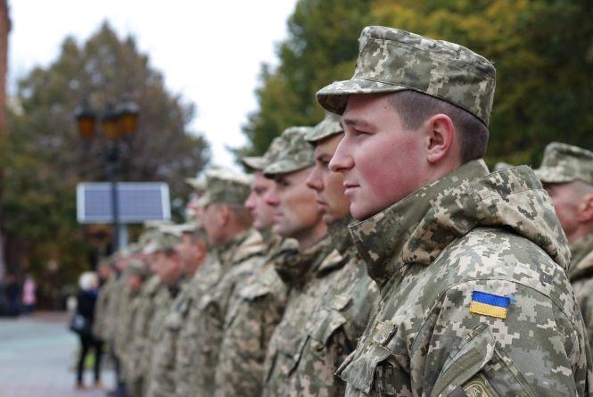 """""""Це свято, але дуже скорботне"""",- військові вшанували пам'ять загиблих побратимів"""
