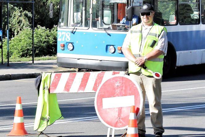 За проїзд «зайцем» по Київському мосту обіцяють штраф на 20 літрів бензину