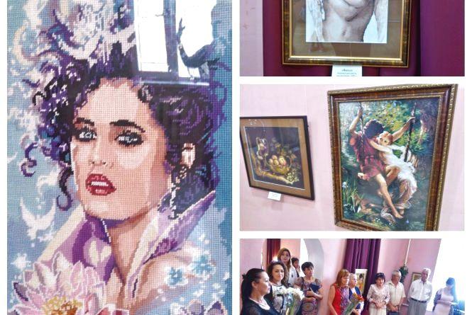«Тепло душі»: у художньому музеї відкрили виставку вишивок вінницької майстрині (ВІДЕО)