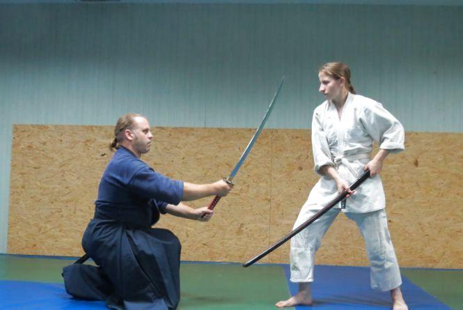 Вінничан вчать фехтувати, як самураї