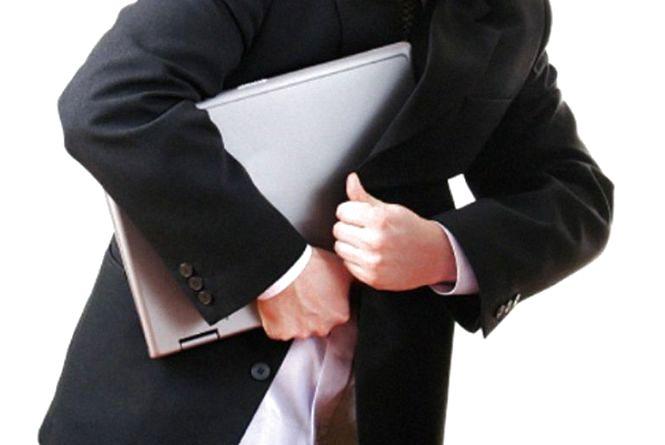 На Шмідта з офісів винесли ноутбуки. «Постарався» колишній працівник