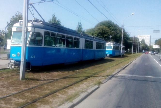 На площі Гагаріна утворився затор із трамваїв