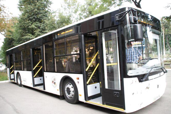 Від завтра у Вінниці два автобуси змінять рух, а три трамвайних маршрути не курсуватимуть взагалі