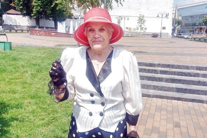 Як бути оптимістом у 86 років: епатажна жінка