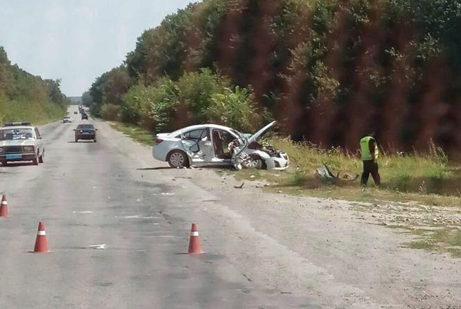 """Біля Вінниці водій на """"Chevrolet"""" врізався в """"Honda"""". Загинула жінка"""