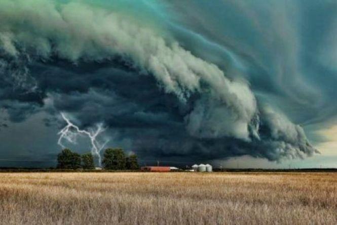 Україну накриє грозовий циклон. Синоптик шокувала прогнозом