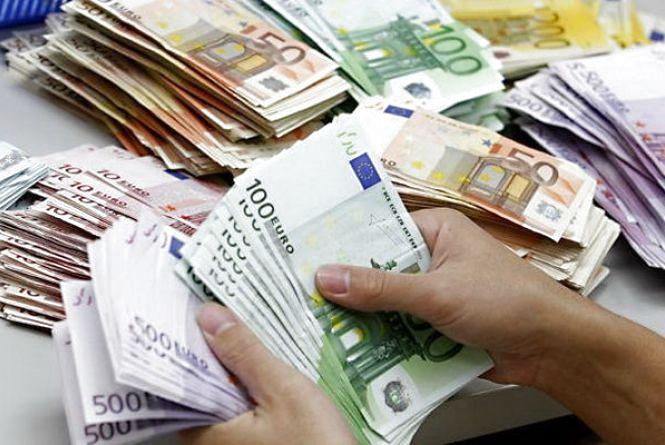 Курс валют НБУ на 26 липня: євро стрімко дорожчає