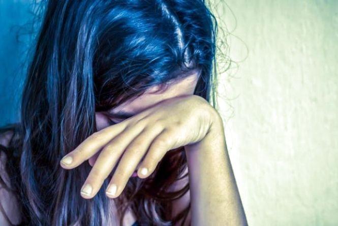14-річна вінничанка добу розважалася з коханим. Поліція покарала матір