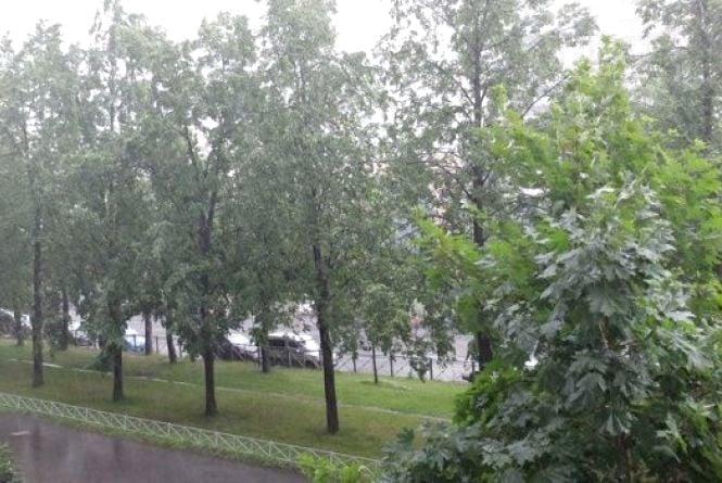Сьогодні в Україні бушуватиме циклон. Попереджують про грози та шквали