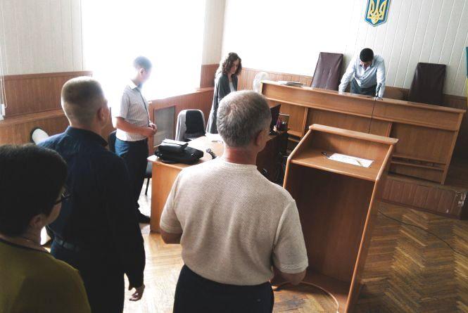 Патрульного визнали винним у хабарництві. Як проходило розслідування (ІНФОГРАФІКА)
