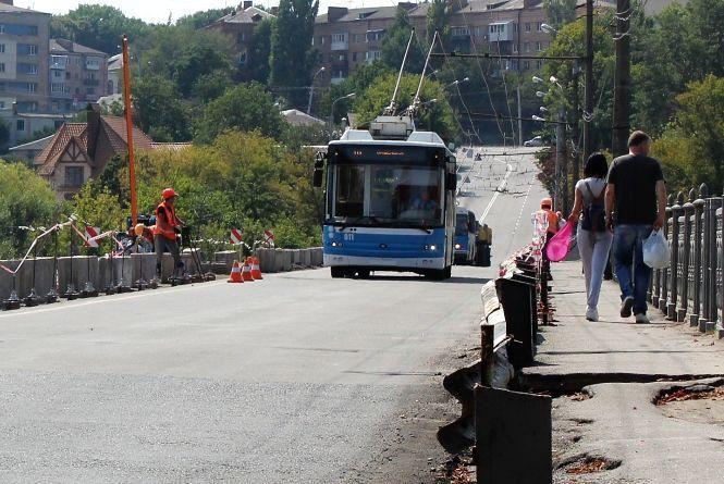 Київський міст обіцяють «здати» восени 2017 року. Але не повністю