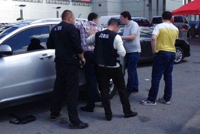 У Вінниці судять поліцейського, що вимагав 500 доларів хабара
