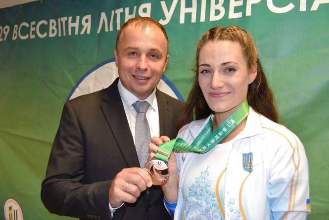 Вінницька легкоатлетка Олена Колесниченко здобула бронзу Всесвітньої Універсіади