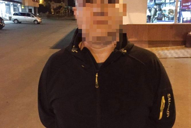 Вінничанин пограбував дружину свого знайомого. Вкрав iPhone 5s