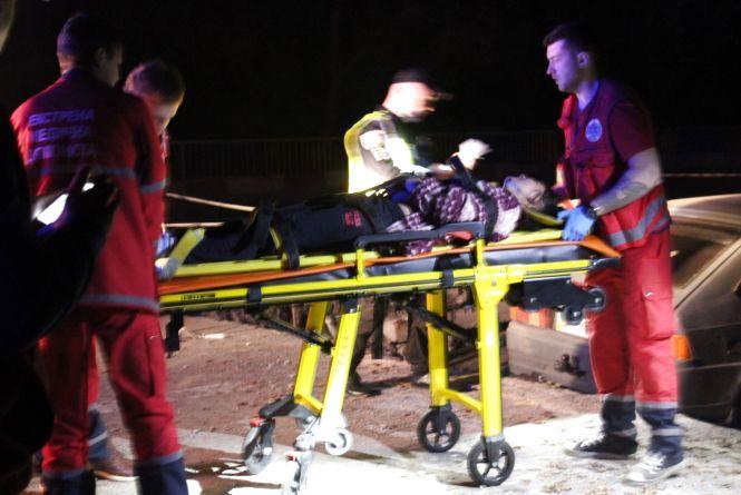 Троє постраждалих у аварії на мосту у Стрижавці. ДТП «на очах» копів та журналіста (ОНОВЛЕНО)