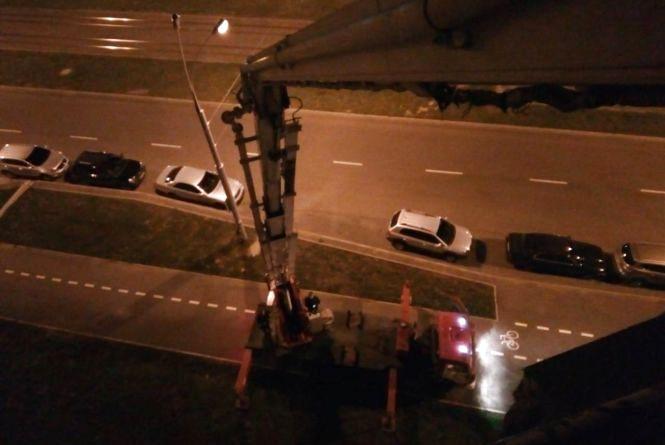 На Келецькій рятувальники звільнили двох застряглих на висоті працівників