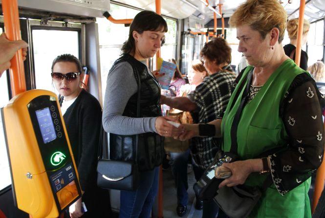 Електронні квитки вже є в транспорті Житомира. Коли буде у Вінниці?
