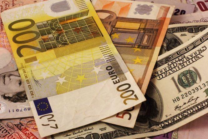 Курс валют НБУ на 20 вересня: євро та долари продовжують падати