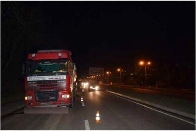 На Барському шосе під колесами «ДАФу» загинула 31-річна вінничанка