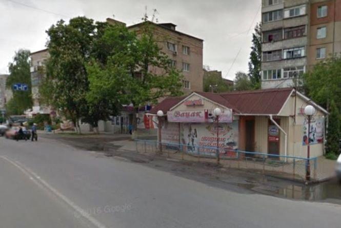 На Пирогова заважає кіоск «Вацак». Його пропонують прибрати або перемістити