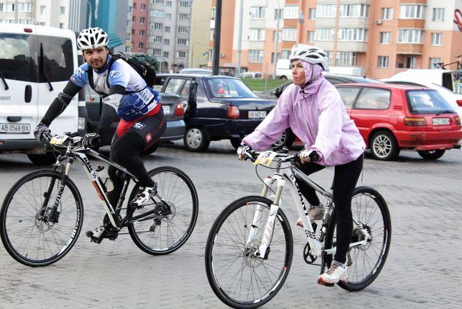 Як проїхати 100 кілометрів за раз на велосипеді: «Ковтала з-під коліс і пил, і болото»