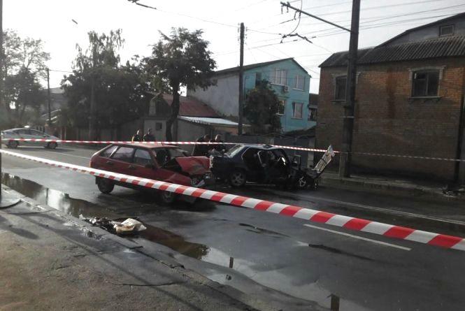 На Брацлавській та Коцюбинського затор. Стоять тролейбуси