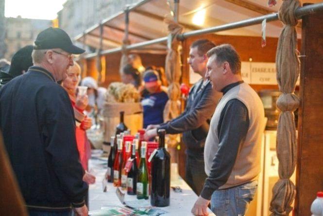 Куди поїхати в жовтні:  День міста в Чернівцях  та фестиваль повітряних куль в Кам'янці-Подільському