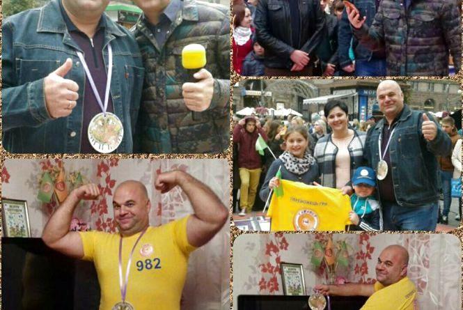 Жмеринський рятувальник Роман переміг у «Караоке на Майдані»