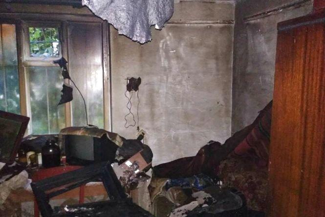 В Сальнику біля Калинівки в будинку згорів чоловік. Кажуть, замкнулась проводка
