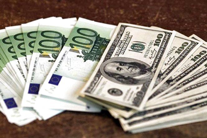 Курс валют НБУ на 4 жовтня: євро та долари знову ростуть