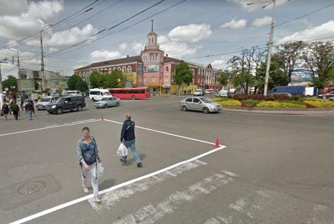 Грошей на світлофор біля залізничного вокзалу немає – відповідь на петицію