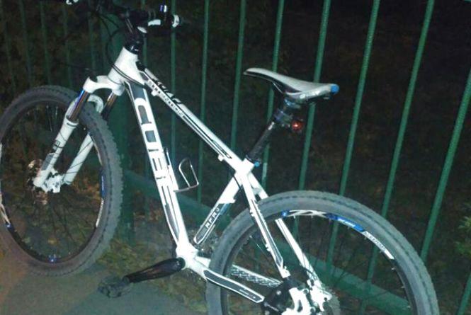На Тяжилові двоє чоловіків забрали в дитини спортивний велосипед