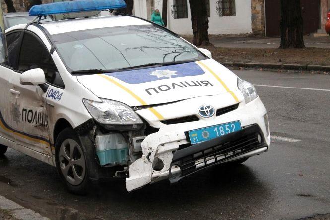 Вінничанин наPassat врізався в авто поліції та заявив про угон іномарки