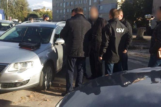 В Вінниці спіймали хабарника. Держвиконавець взяв 40 тисяч гривень