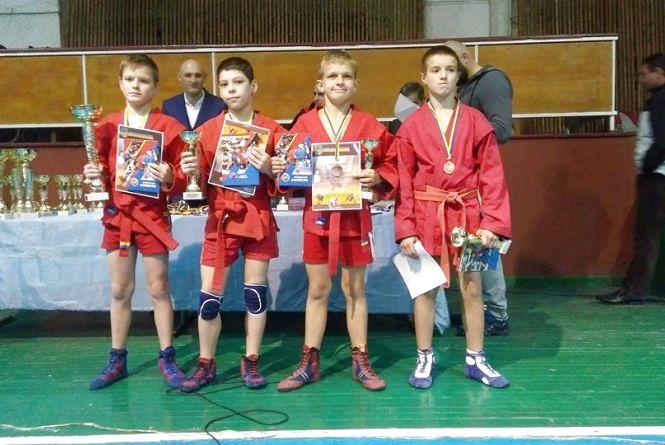 Юні вінницькі самбісти виграли міжнародний турнір у місті Лева