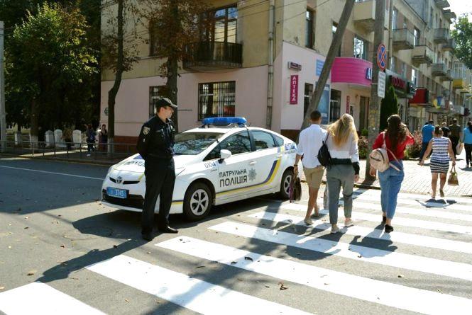 Патрульна поліція не добирає кадрів. Для Вінниці шукають ще 100 «копів»