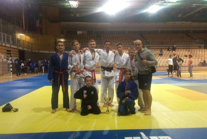 Вінницькі дзюдоїсти здобули Кубок на міжнародному турнірі у Словенії!
