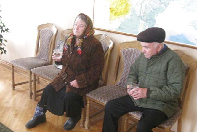 Відлуння вибухів в Калинівці: Подружжю Ковальчуків вручили нові  паспорти