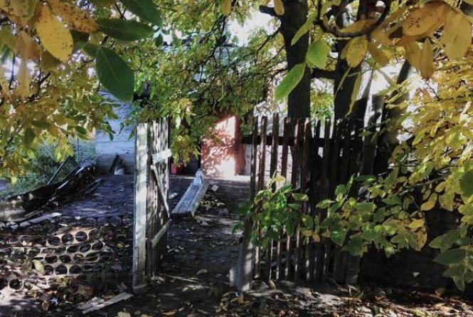 В Гнівані двоє наркоманів залізли вночі на дачу та вкрали 18 мішків горіхів
