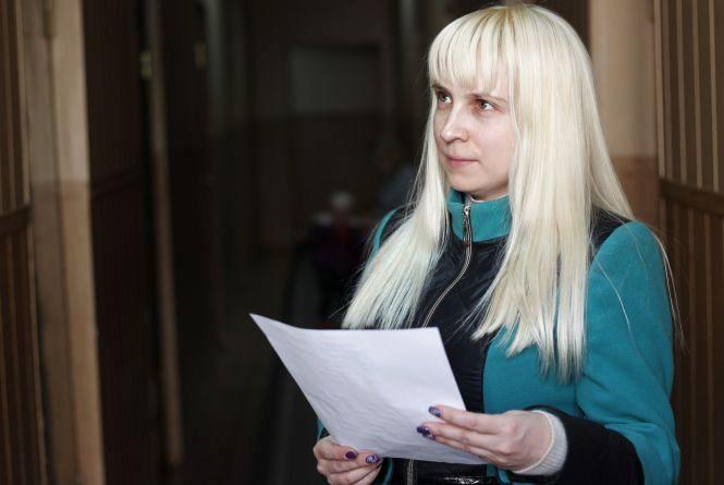 Кіпр відміняється? Жінка чекає на закордонний паспорт вже 2 місяці